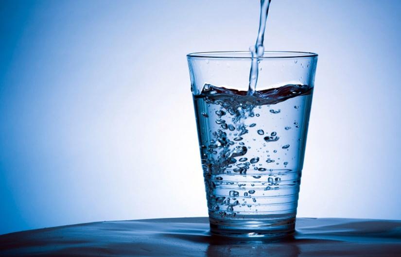 woda mineralna a zrodlana